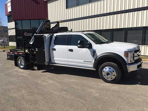 Hiab 077BS-3 CLX with Ford F550 Truck for Sale