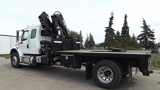 HIAB 211EP-5 HiDuo on Freightliner Truck For Sale